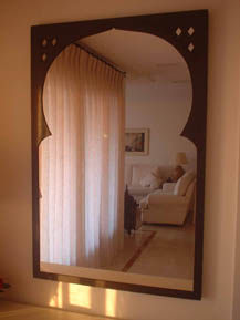 Mirror frame with Moroccan style arched frame